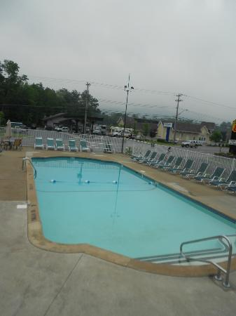 Super 8 Lake George/Downtown : la piscine