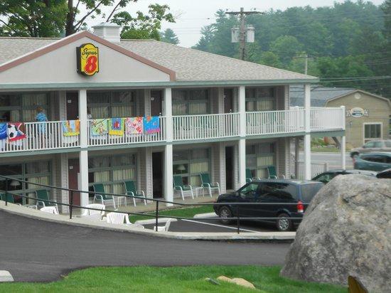 Super 8 Lake George/Downtown: vue de l'hotel