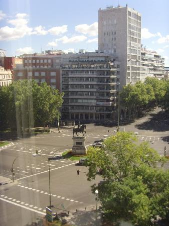 Hotel Miguel Angel by BlueBay: view of Paseo de la Castellana