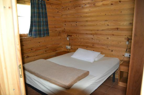 Camping Vall De Camprodon: Habitacion matrimonio