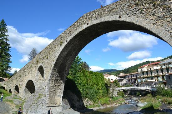 Camping Vall De Camprodon: Puente de Camprodon