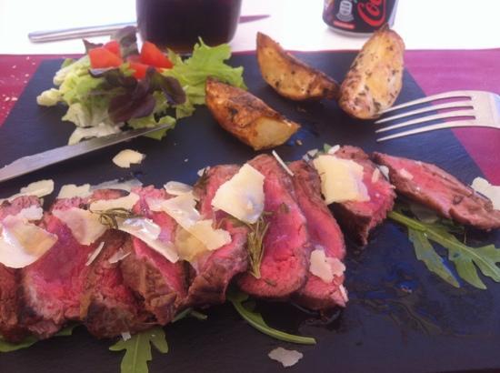 Buena Onda Cafe: Tagliata de carne con Parmesano