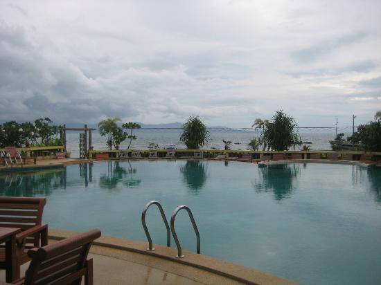 Rin Beach Resort: Pool