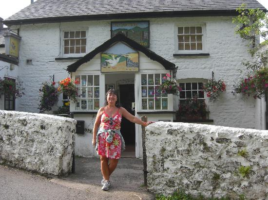 The Goose and Cuckoo Inn : The entrance