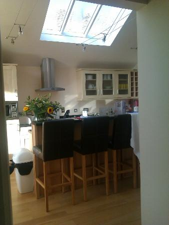 Oaksey Country Park Cottages: Kitchen area with sky light