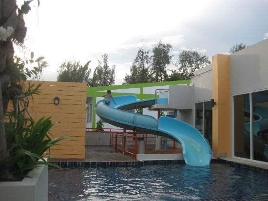 FuramaXclusive Sandara Hua Hin: Children pool