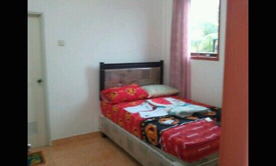 Riana Guest House: the room