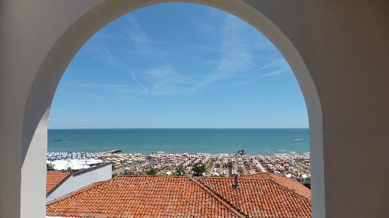 Hotel Erika: Aussicht von der Terrasse