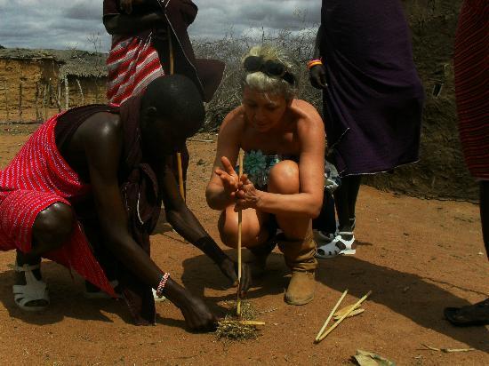 Joseph e Toyota Kenya safari - Day Trips : mi accendo una paglia