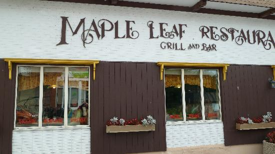 写真Maple Leaf Restaurant-Bar Czech Snitzel House枚
