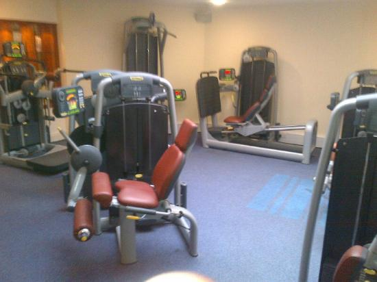 Mercure Manchester Norton Grange Hotel and Spa: Weight area