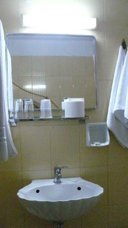 Hotel Sparta Inn: salle de bain