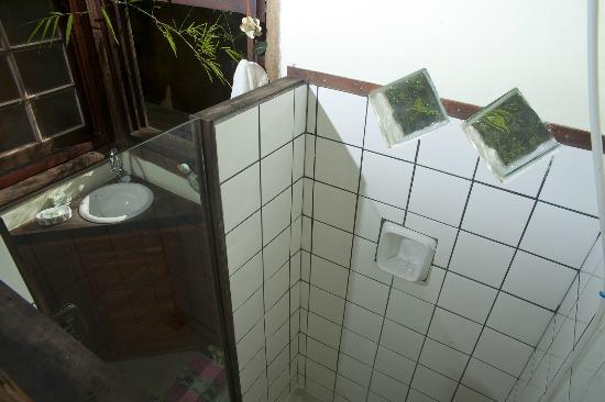 Casa de Bambu: banheiro