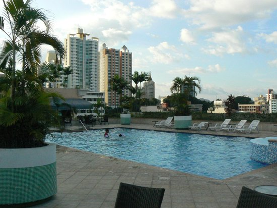 Veneto Hotel & Casino:                                     Rooftop pool