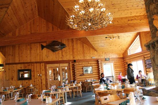 Kenai Princess Wilderness Lodge: Dining room view.