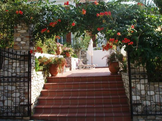Filokalia Apartments: Hotel entrance