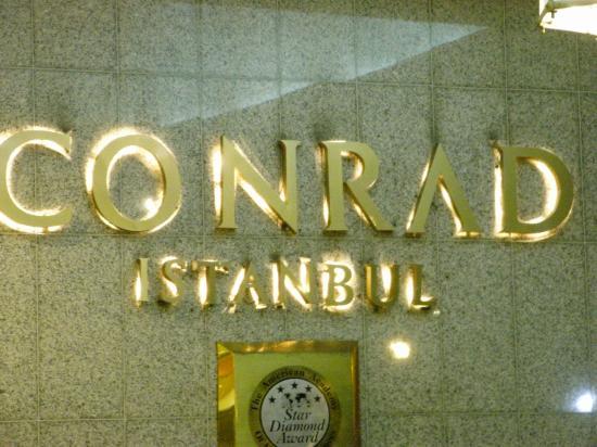 Conrad Istanbul Bosphorus: 外観