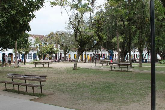 Pousada Bartholomeu: Praça da Matriz