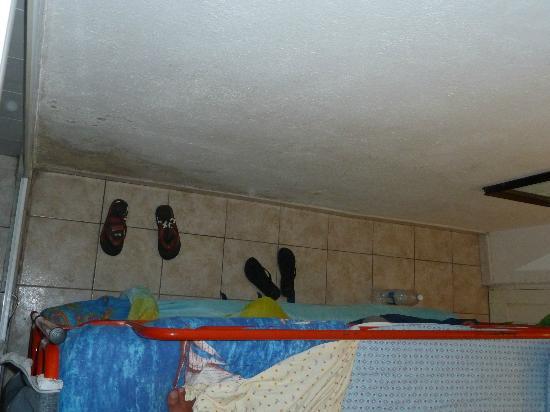 Camere Da Sonia: UNICO SPAZIO LIBERO IN CAMERA/CANTINA