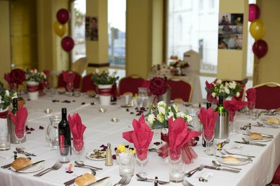 Afton Hotel: Wedding Breakfast Table