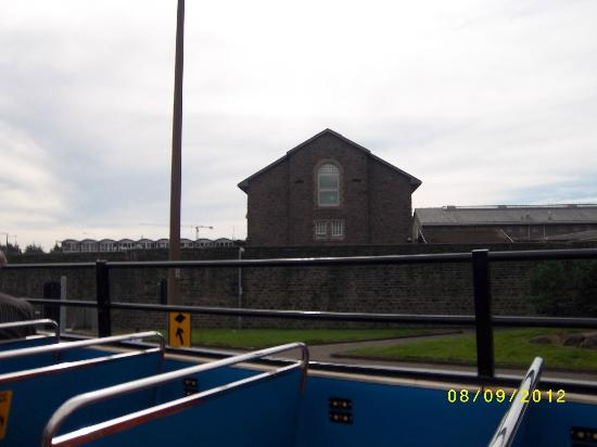 City Sightseeing Cardiff: Passing Cardiff Prison along Fitzalan Place