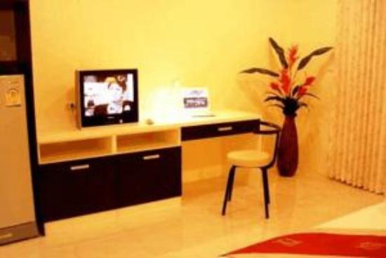 The Laem Din Hotel: Inside room 