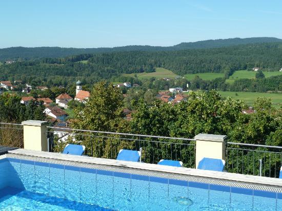 Spirit & Spa Hotel Birkenhof am Elfenhain: Blick vom Dachpool