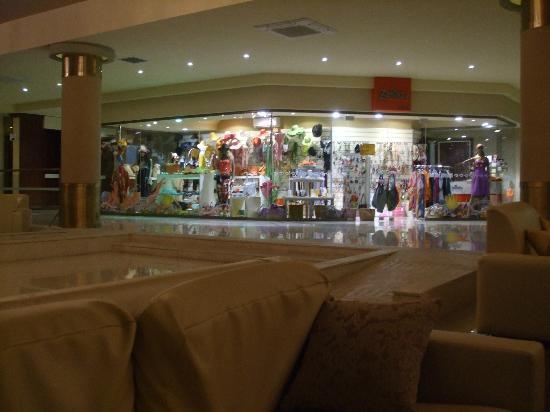Kipriotis Village Resort: inside shop 