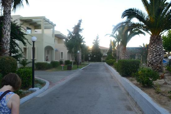Kipriotis Village Resort: some rooms off the road 