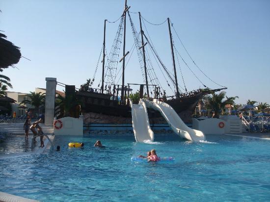 Kipriotis Village Resort: water slide pool 
