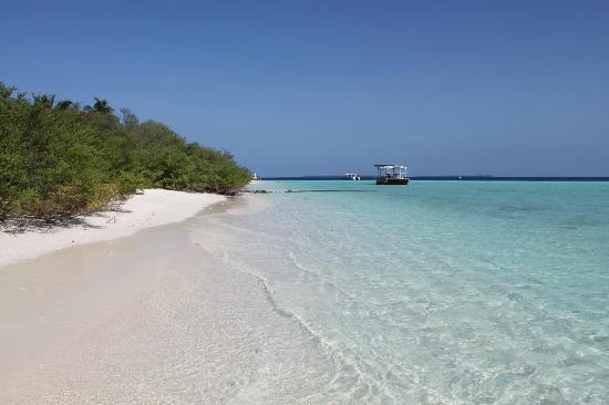 Asdu Sun Island: vista dalla punta dell'isola verso il pontile