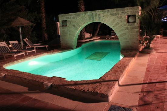 Residence Dar Sidi : Piscine la nuit