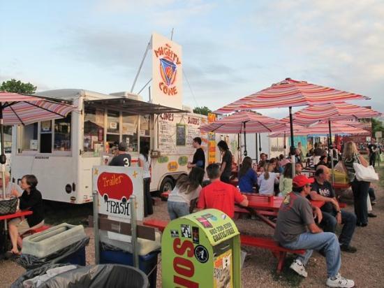 South Congress Avenue : Trailer Food Park