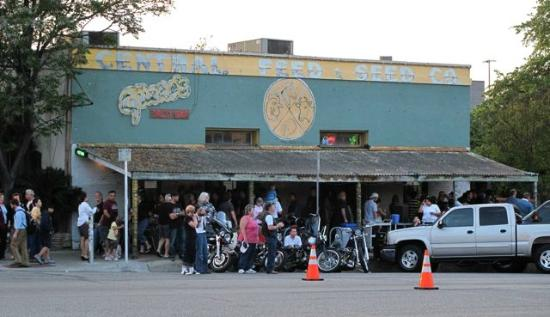 South Congress Avenue: Guero's