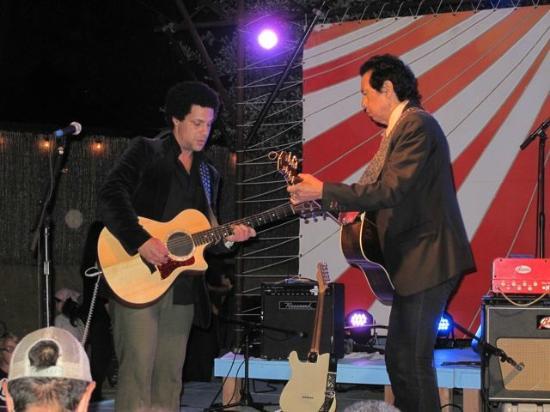 South Congress Avenue: Alejandro Escovedo Plays At Jo's