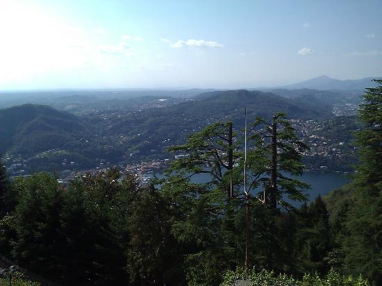Funicolare Como-Brunate: Stunnng view of Lake Como from the top of Brunate