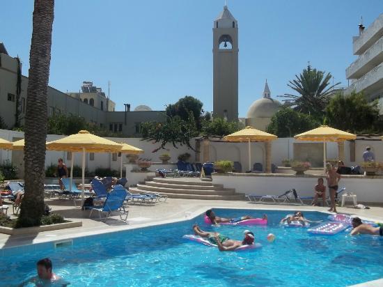 Mitsis Petit Palais: hotel pool