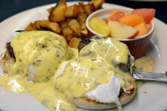 Milo's City Cafe : My favorite, benedict Mary Ann