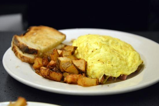 Milo's City Cafe : The Broadway Omelet