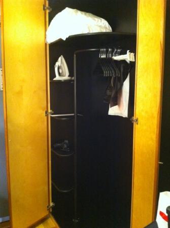 Hotel Lundia: cupboard