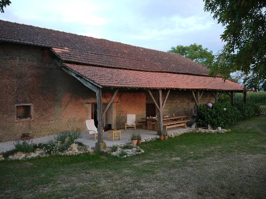The Barns Dans Les Pyrénées : What a place to relax after a hard days walking!