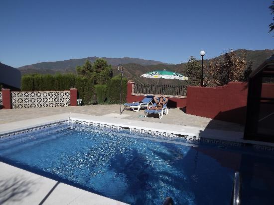 Los Jarales Rural Hotel Istan: La piscine