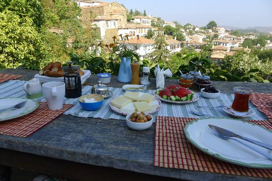 Terrace Houses Sirince: Breakfast at the Terrace Cafe