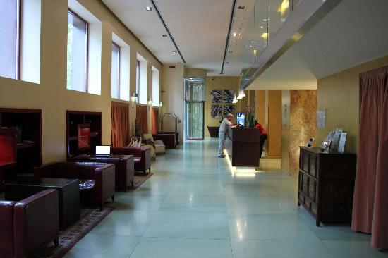 Enterprise Hotel: hotel lobby
