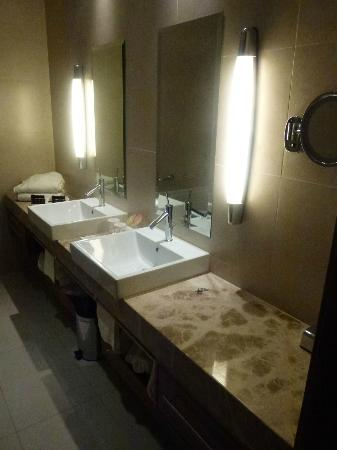 Hotel Monte Mulini: bathroom - view 1