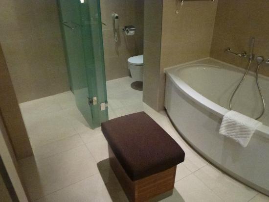 Hotel Monte Mulini: bathroom - view 2