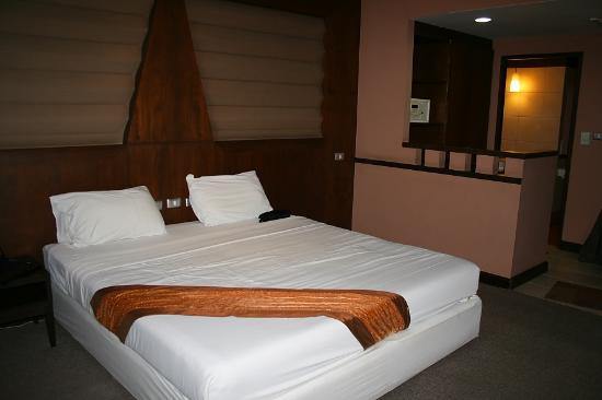 Woraburi Ayothaya Convention Resort : very simple room