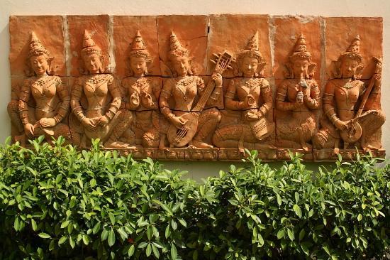 Woraburi Ayothaya Convention Resort : details at the entrance