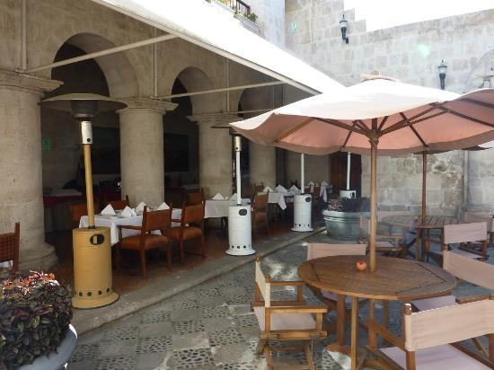 Casa Andina Private Collection Arequipa: Breakfast Courtyard