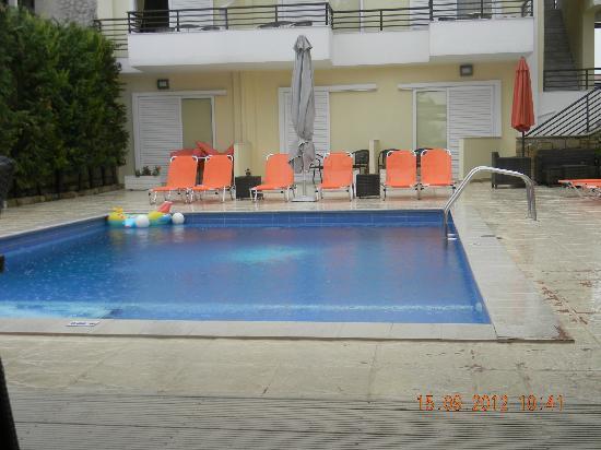 Maya Bay Hotel: pool